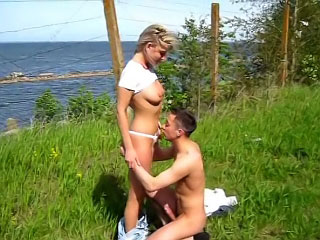 Nice horny babe making good blowjob and gaping dude outdoors